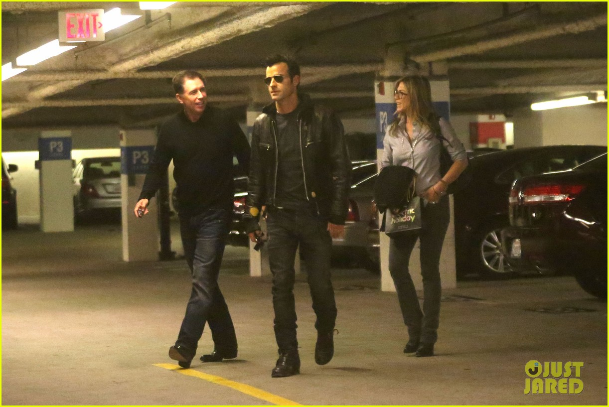 jennifer aniston justin theroux barneys new york shoppers 06