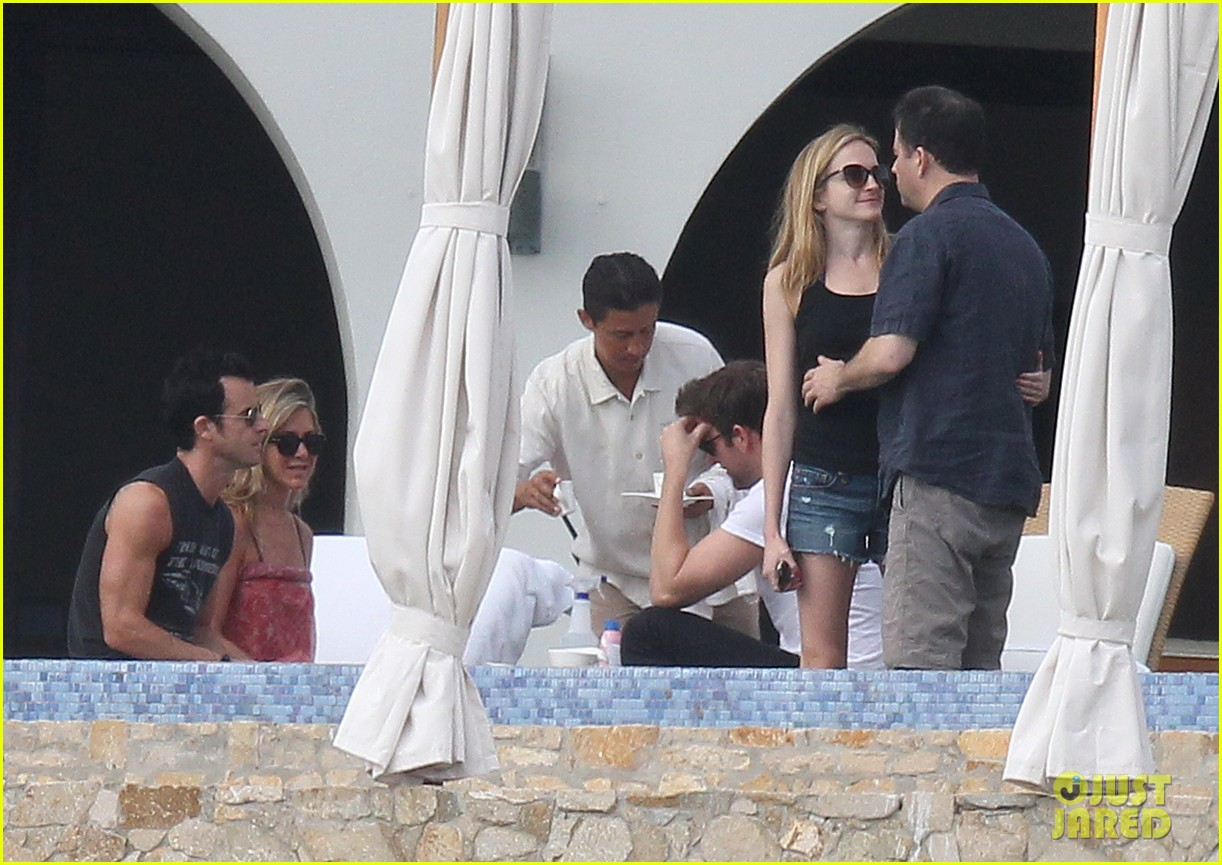 jennifer aniston couples vacation with emily blunt jimmy kimmel 052781522