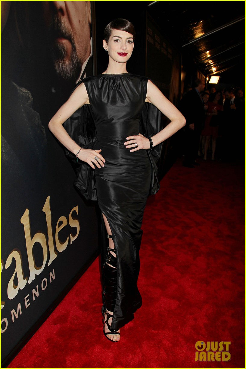 anne hathaway les miserables new york premiere 082773263