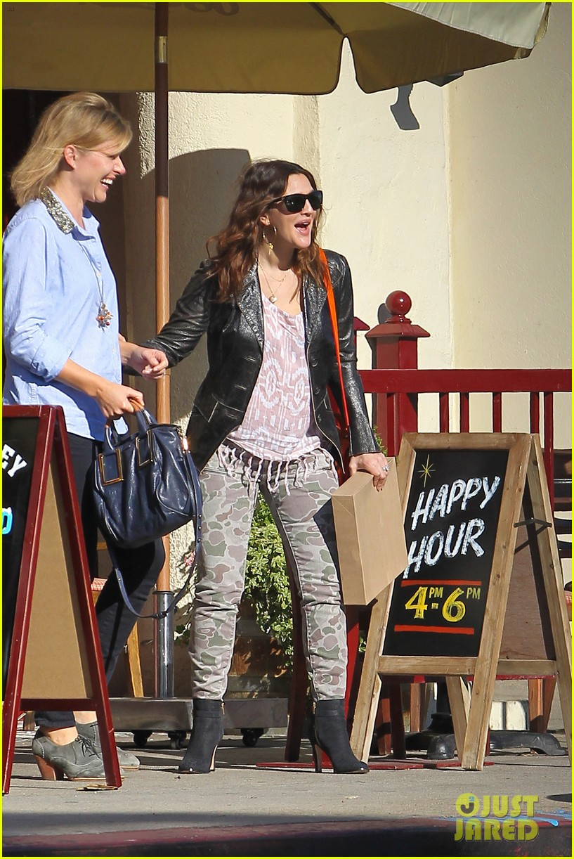 drew barrymore laughing at lunch 21