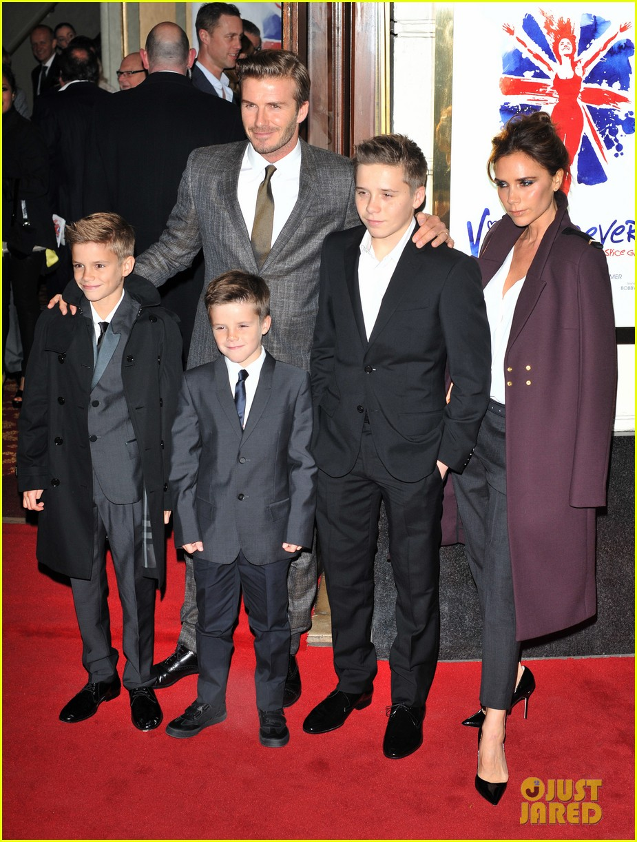 victoria beckham viva forever with david the boys 03