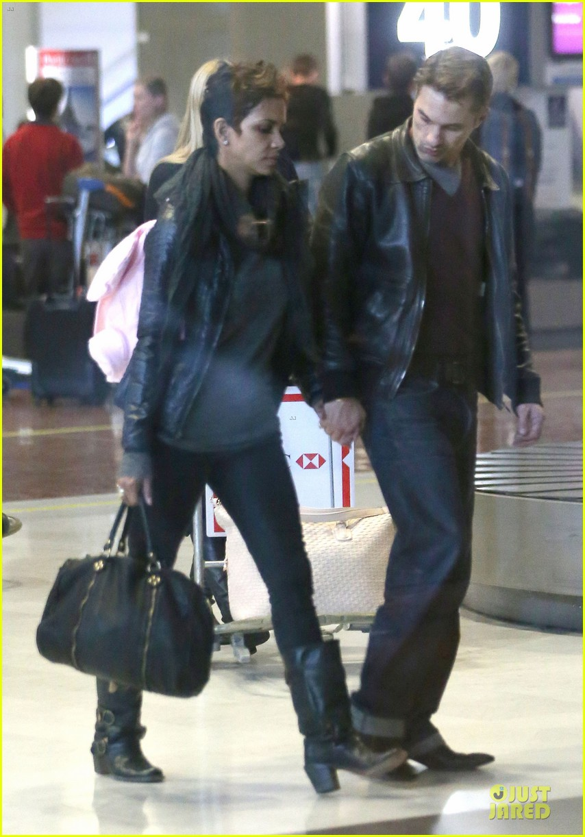 halle berry & olivier martienz paris for the holidays 162779561