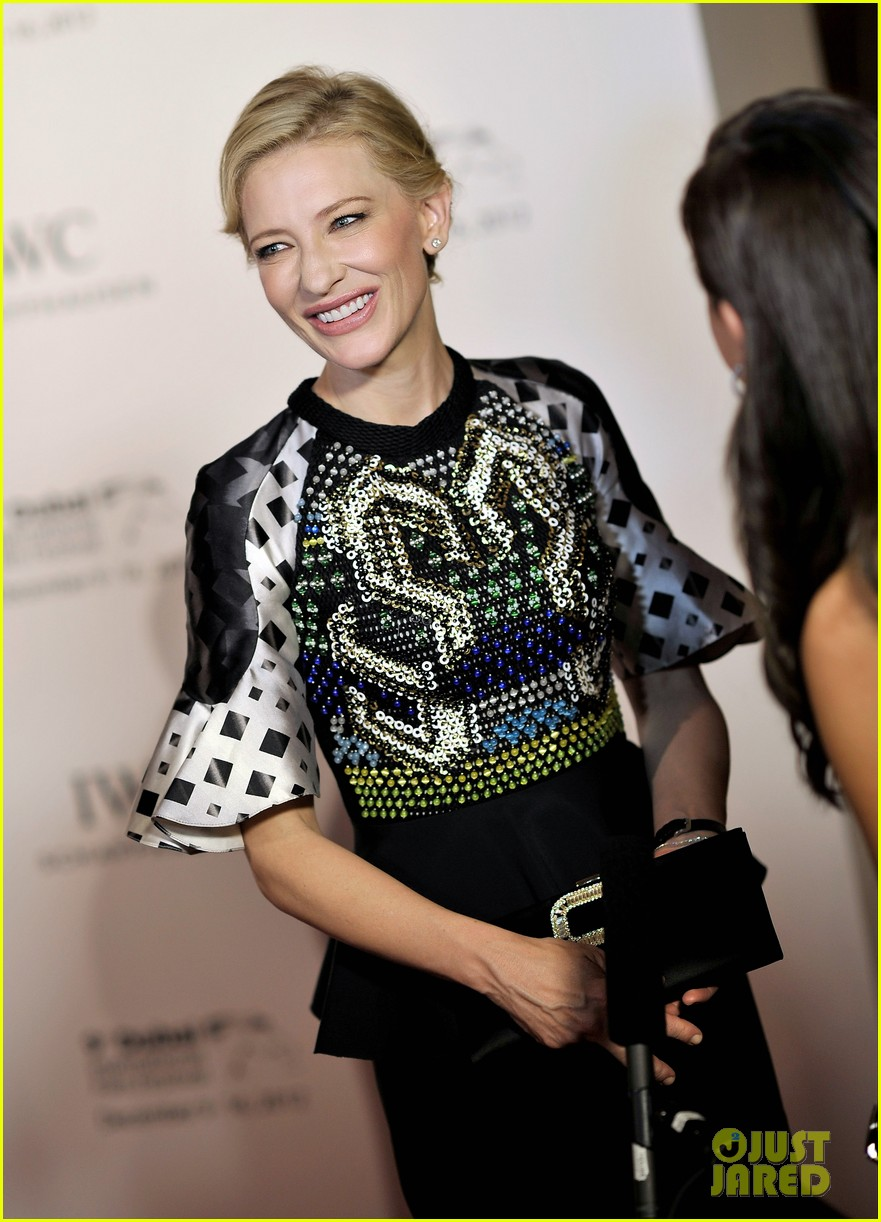 cate blanchett filmmaker award gala dinner in dubai 04