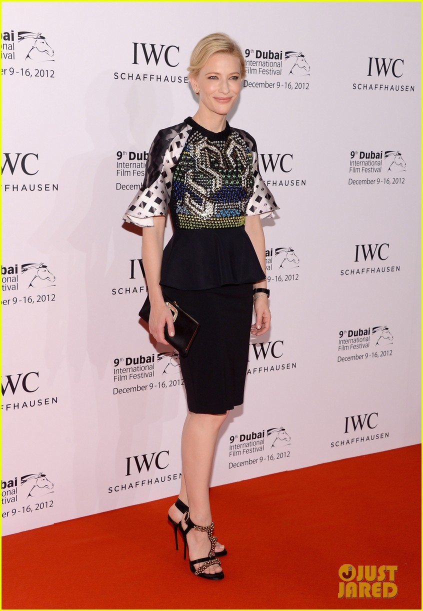 cate blanchett filmmaker award gala dinner in dubai 05