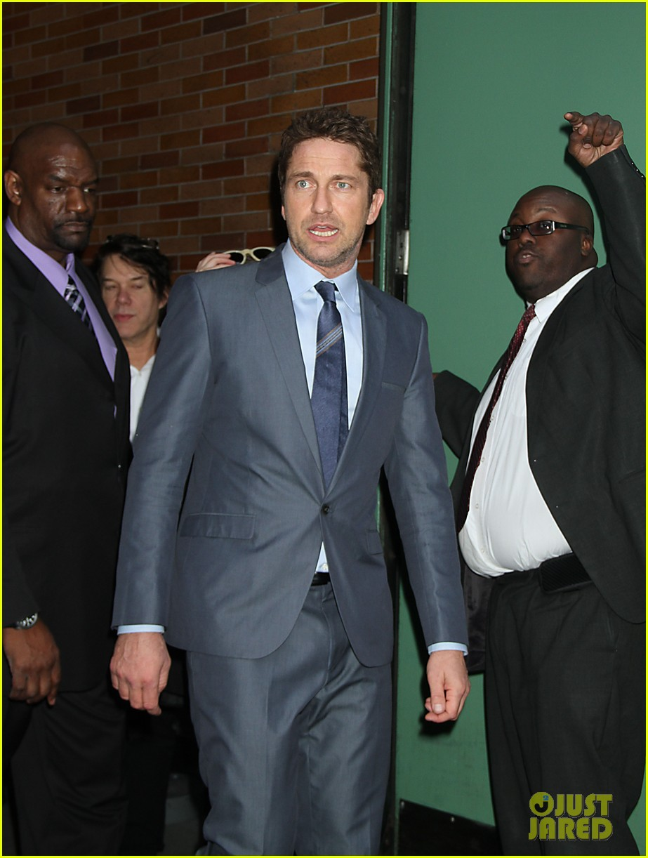 gerard butler promotes playing for keeps on gma 24