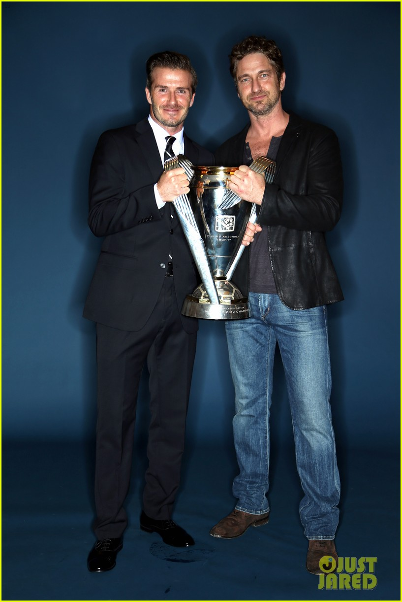 gerard butler mls cup with david beckham 07