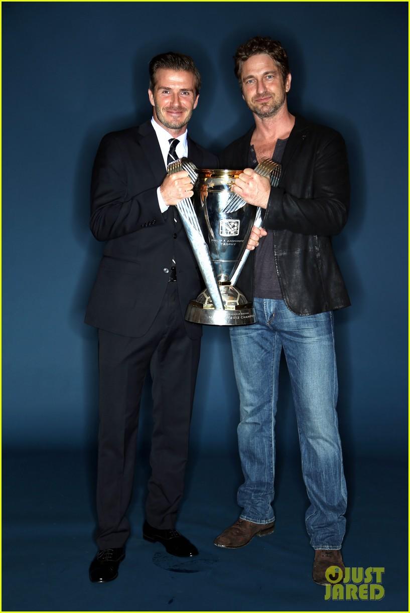 gerard butler mls cup with david beckham 07