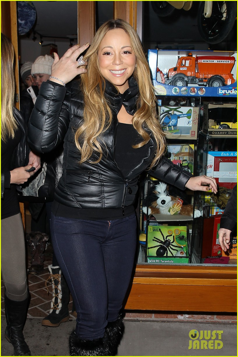 mariah carey im not letting anyone touch presents until christmas day 04