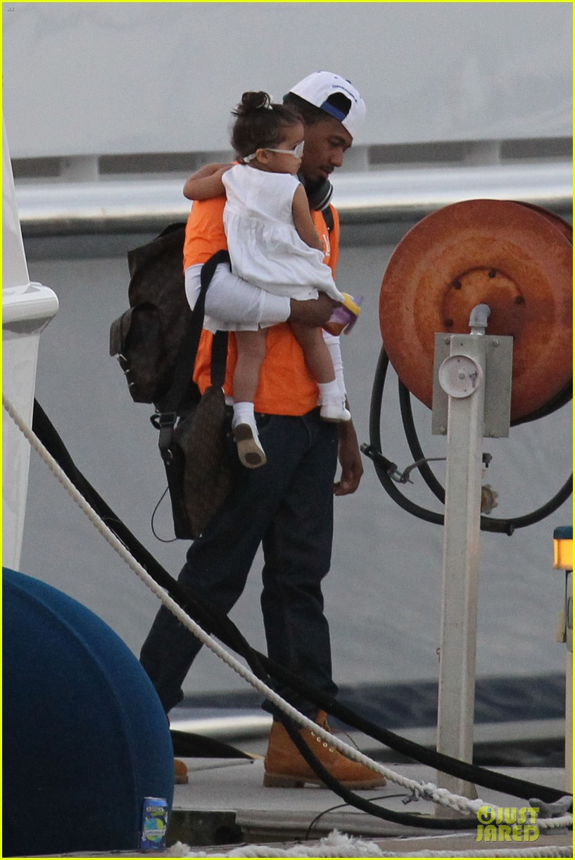 mariah carey & nick cannon australia sailing with the twins 07