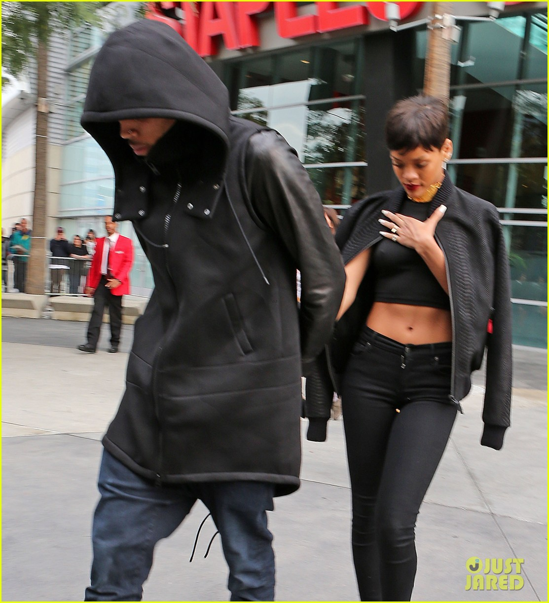 chris brown rihanna christmas pic 09