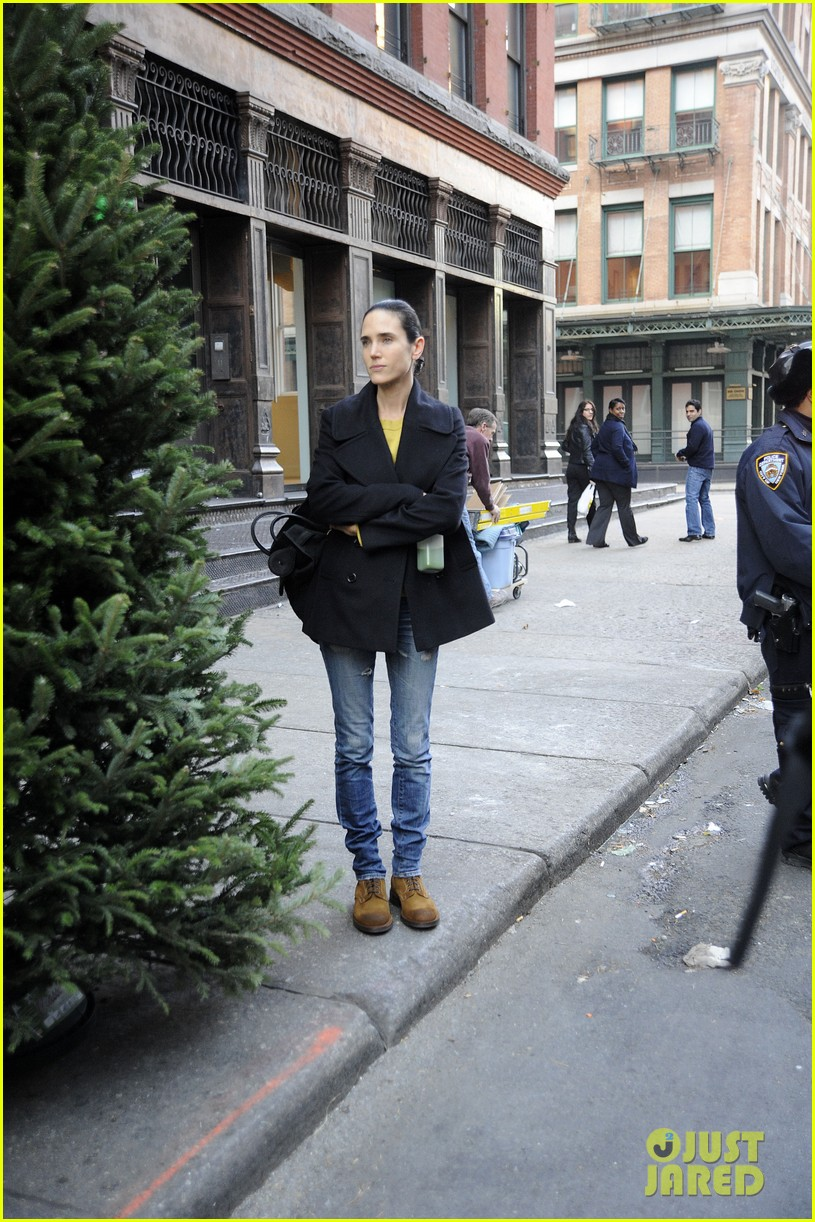 jennifer connelly christmas tree peek a boo 112770870