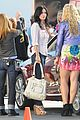 courteney cox cougar town set with josh hopkins 21
