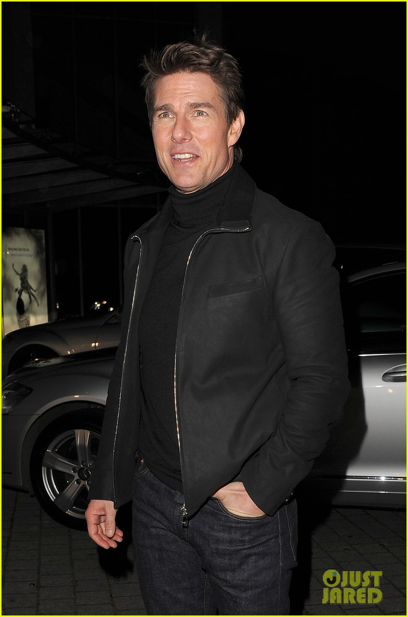 tom cruise spending christmas with kids 24