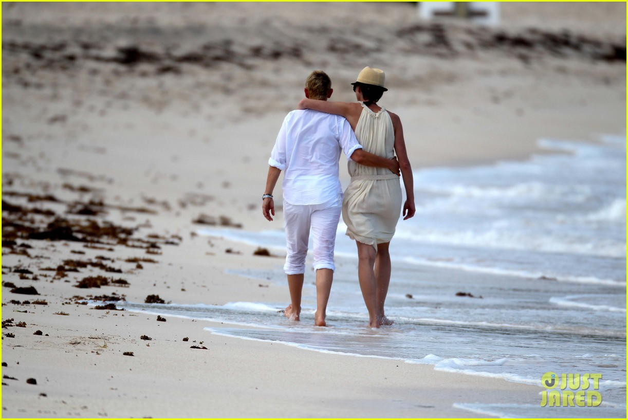 ellen degeneres portia de rossi holding hands in st barts 14
