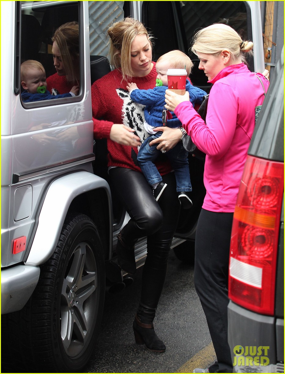 hilary duff babys first class with luca 232775338