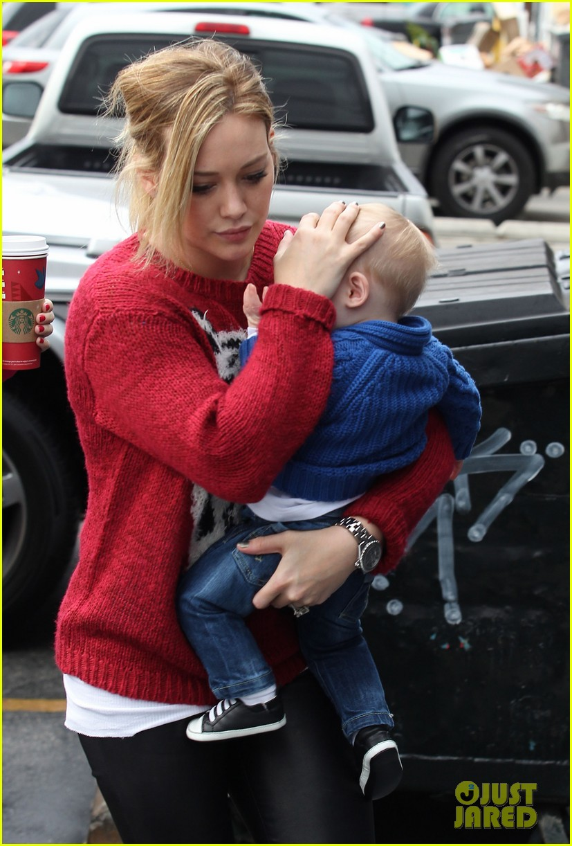 hilary duff babys first class with luca 252775340