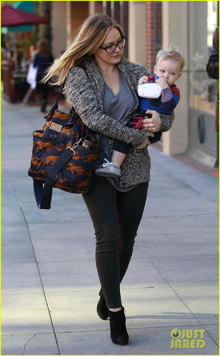 hilary duff doctors appointment with baby luca 07
