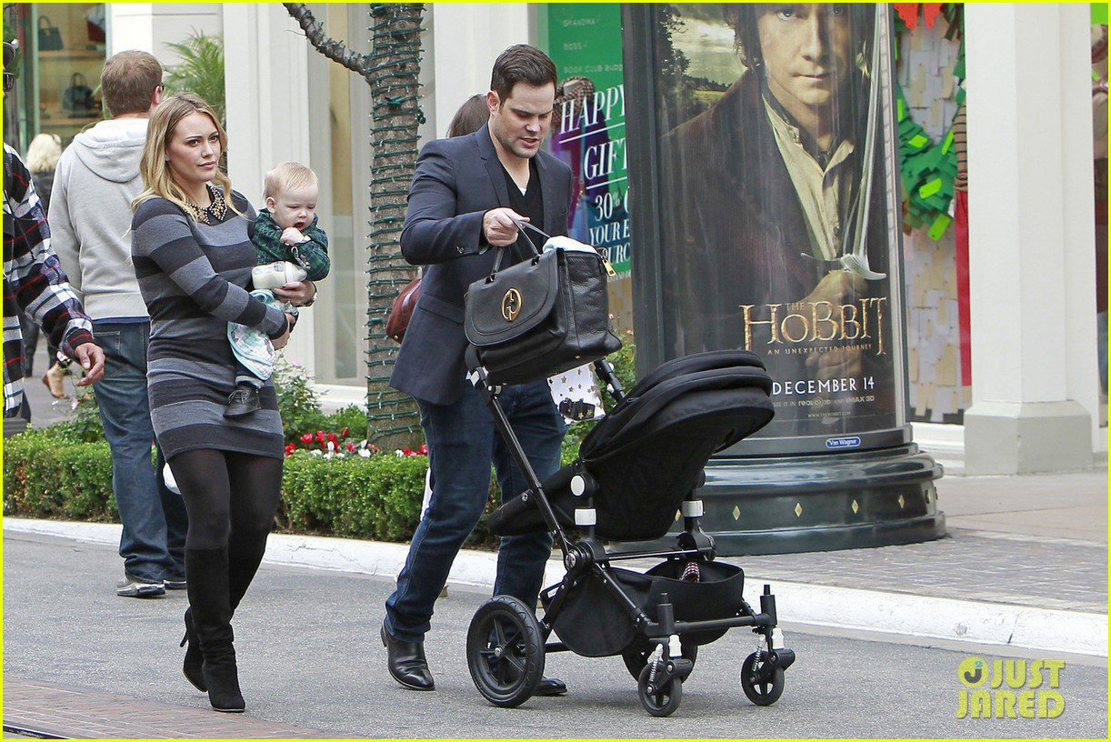 hilary duff mike comrie family fun day with luca 032775758