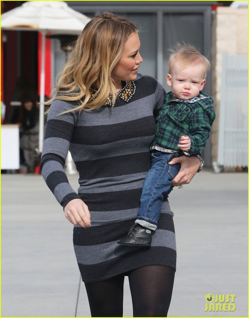 hilary duff mike comrie family fun day with luca 10