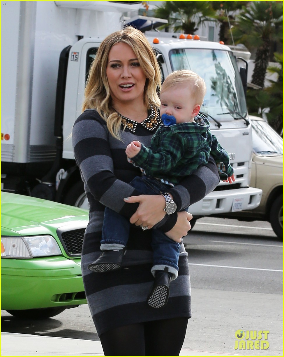 hilary duff mike comrie family fun day with luca 13