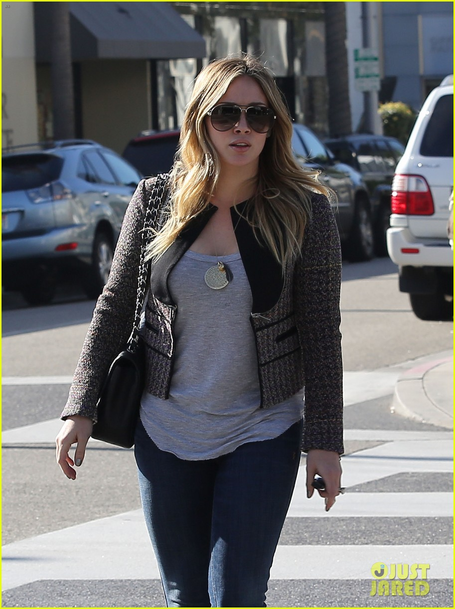 hilary duff liberated from hair extensions 01