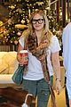 hilary duff sunday holiday shopping 04