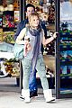 hilary duff mike comrie shopping baby luca 16