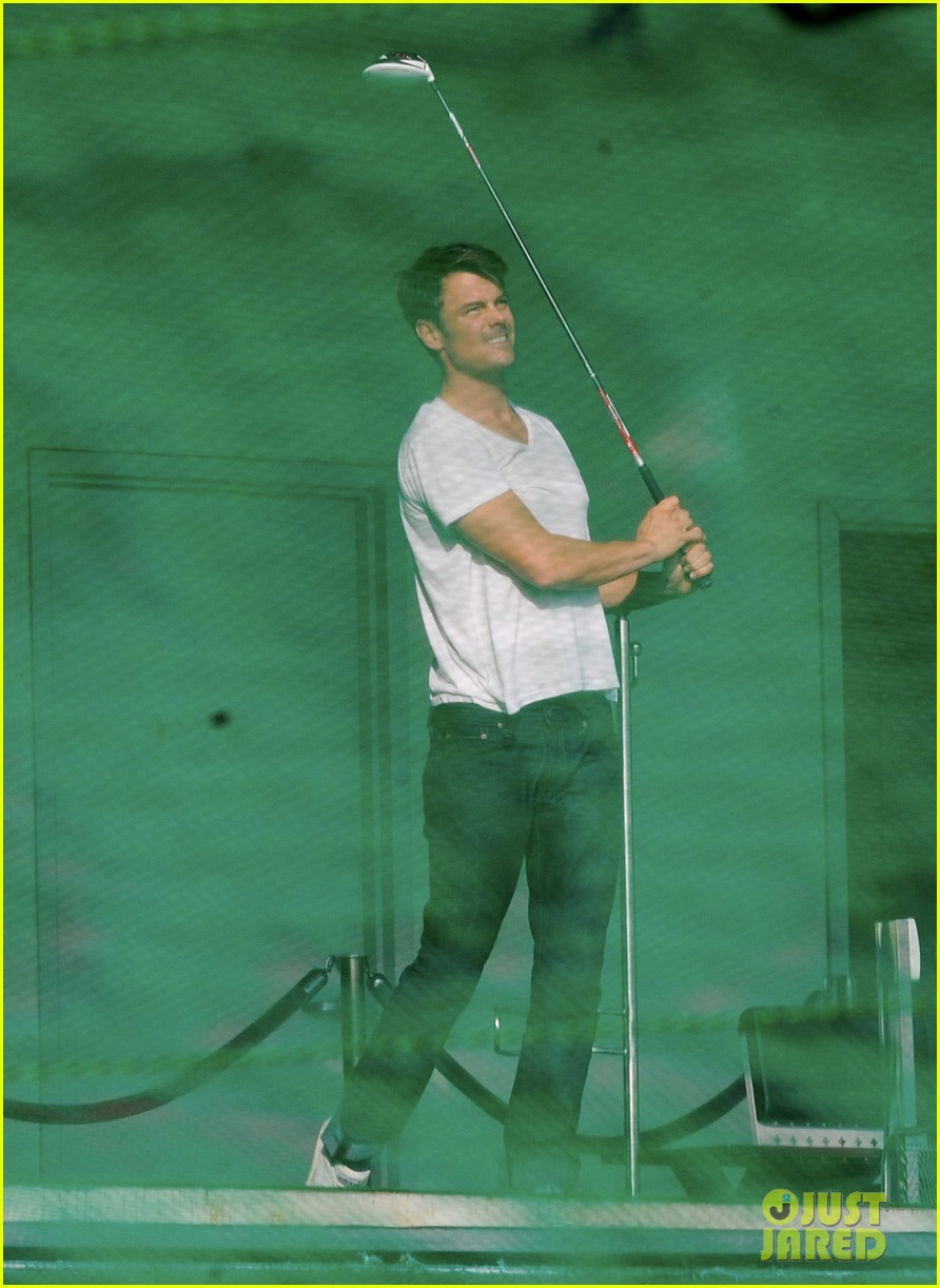 josh duhamel practices golf swing on youre not you set 21