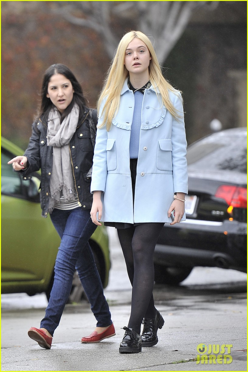elle fanning milky way lunch 04