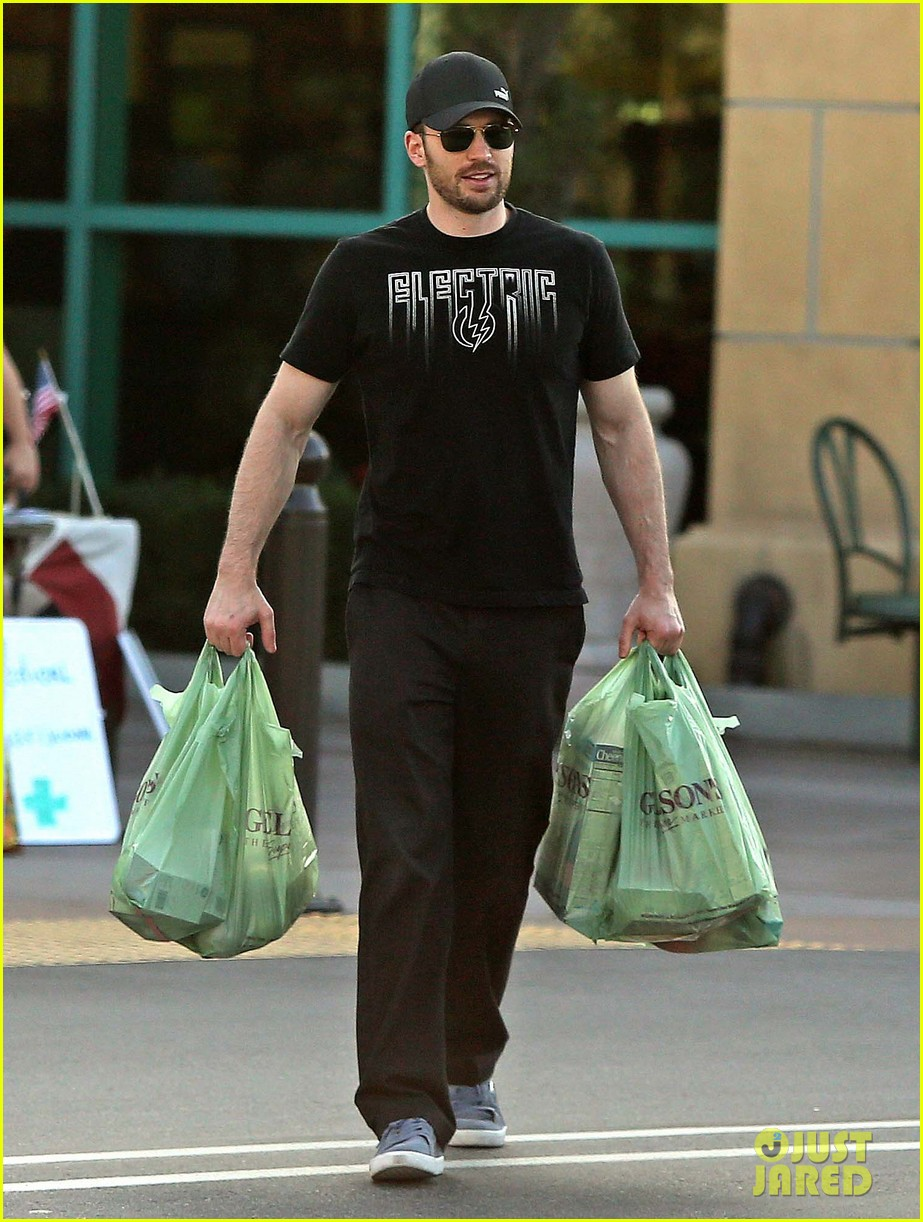 chris evans goes grocery shopping minka kelly works out 12