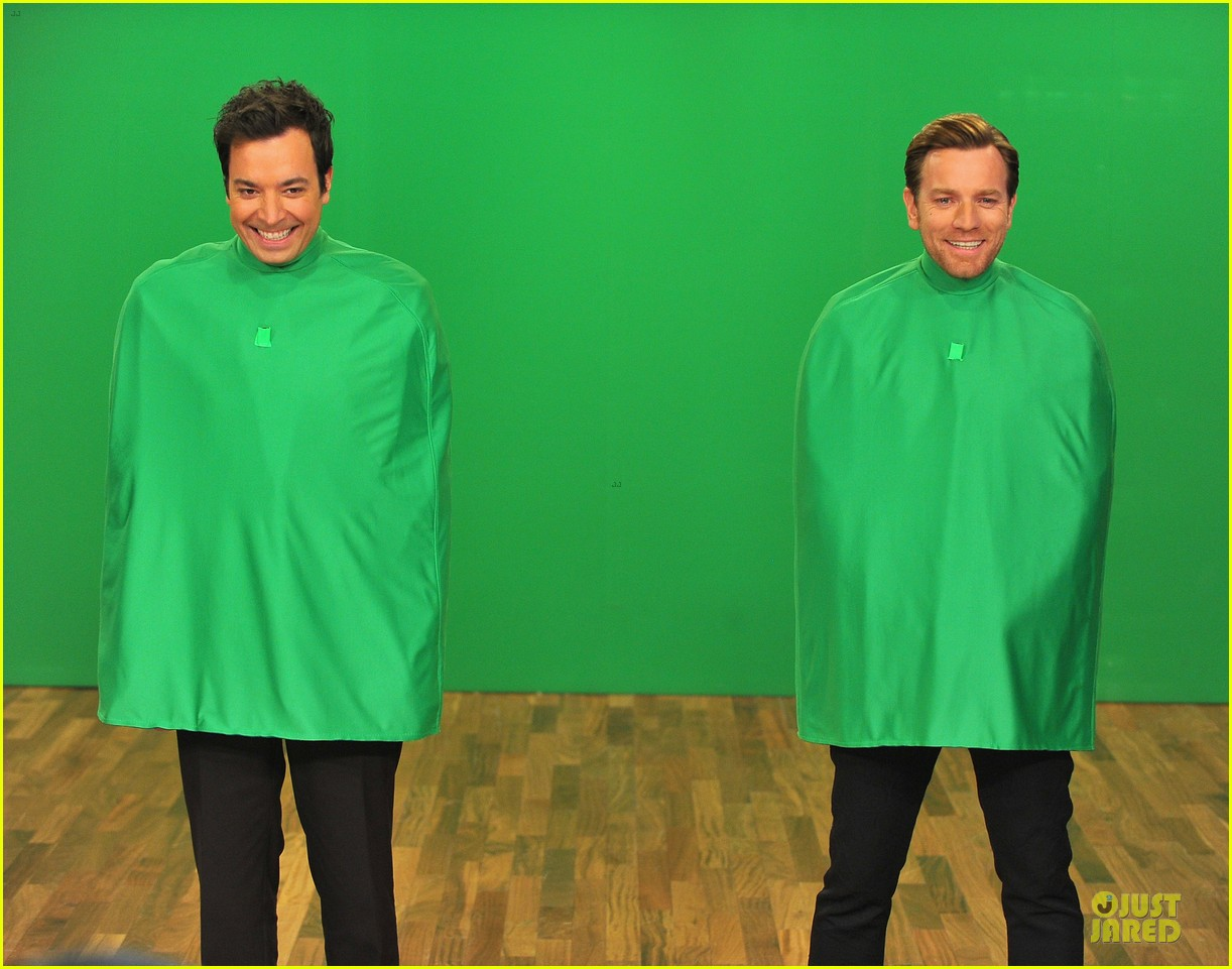 ewan mcgregor green screen fun with jimmy fallon 11