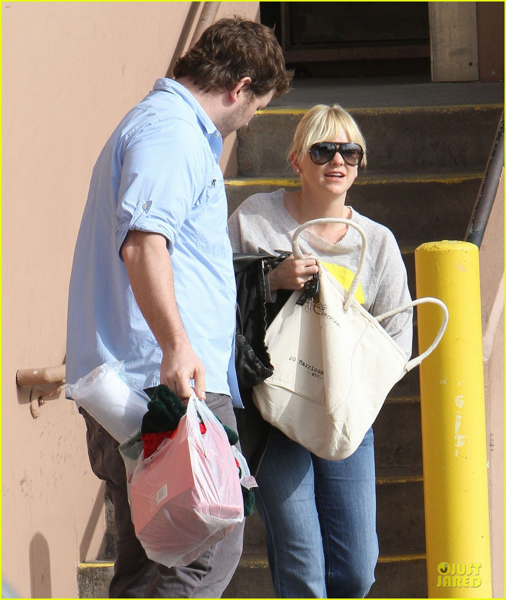 anna faris & chris pratt rite aide shopping couple 09