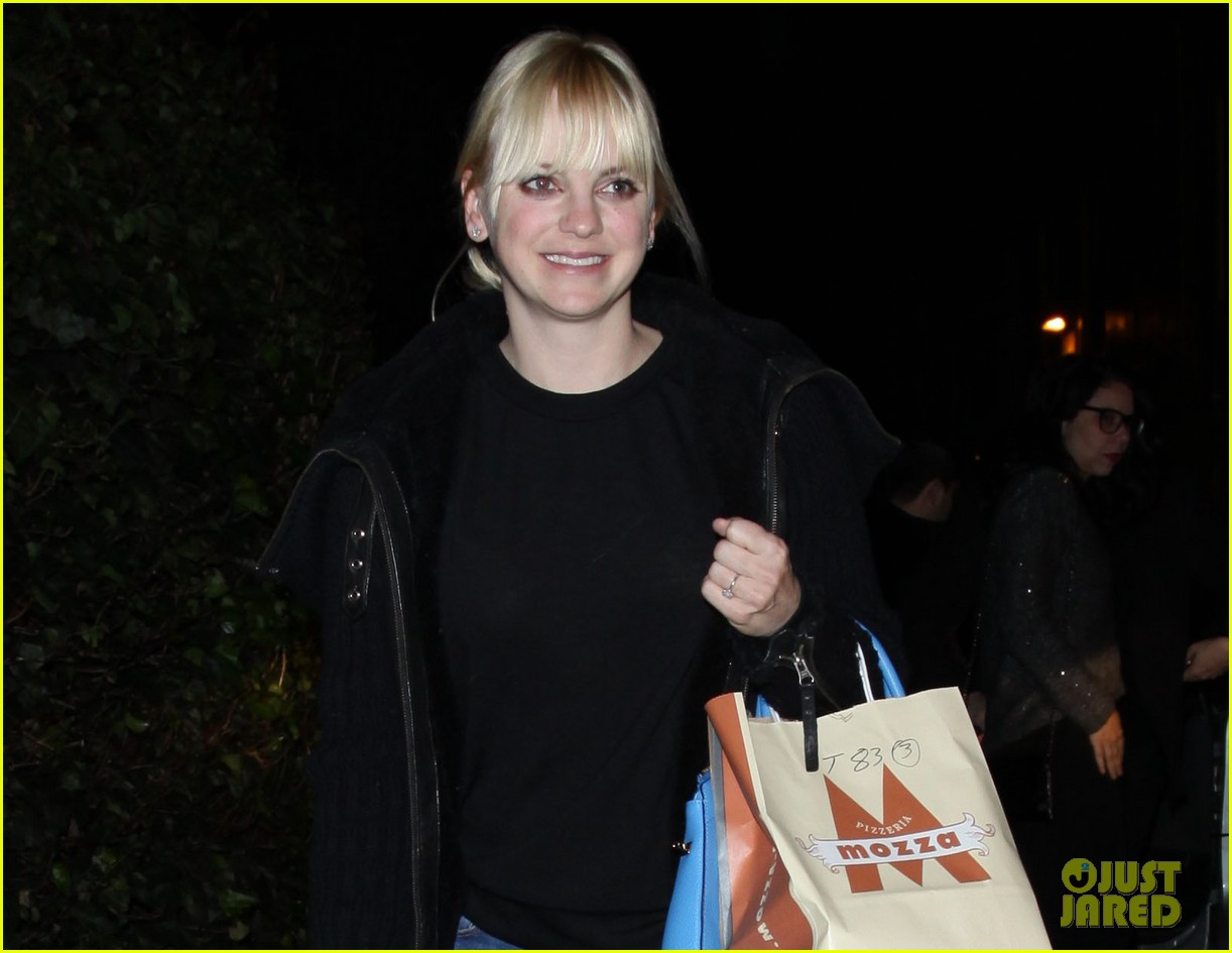anna faris chris pratt is the sweetest husband 032781363