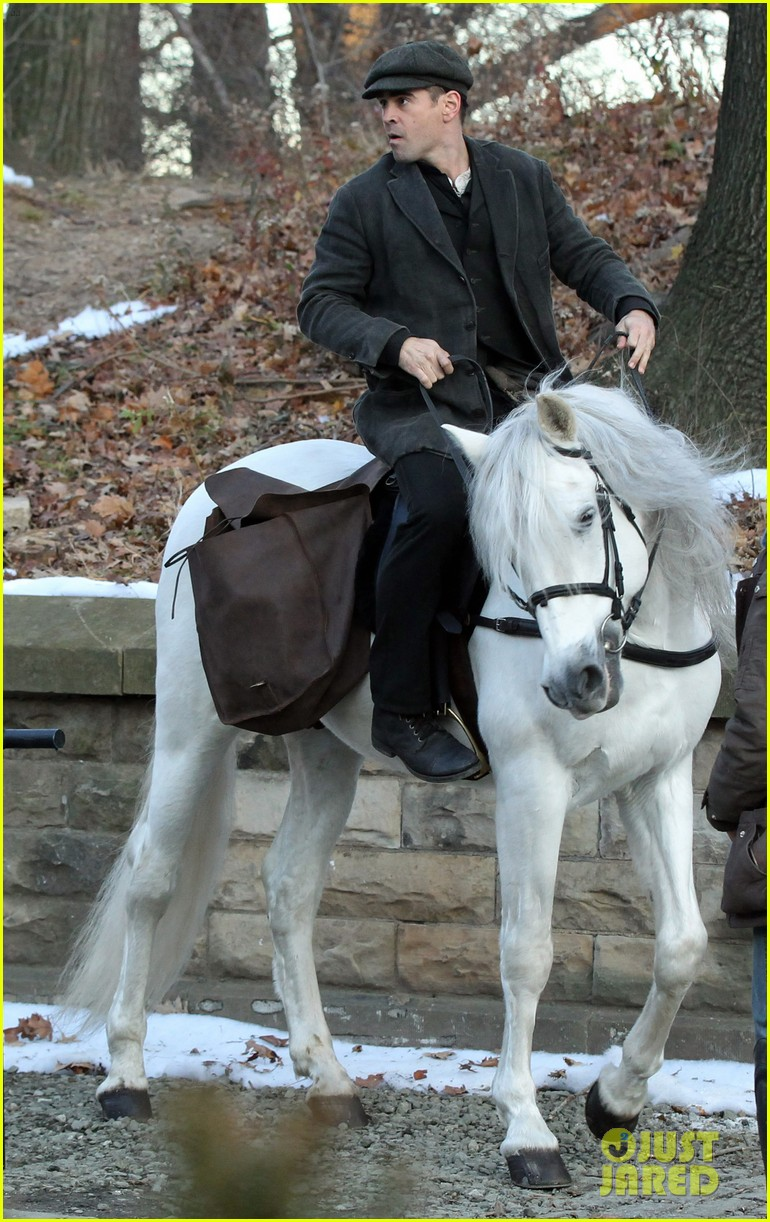 colin farrell horseback riding 02