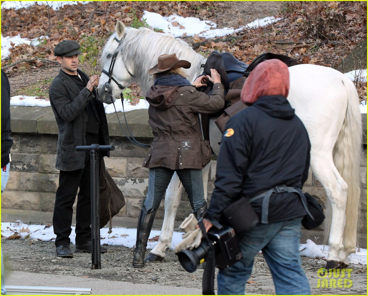 colin farrell horseback riding 09