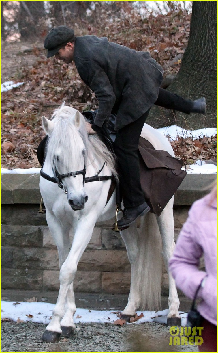 colin farrell horseback riding 23