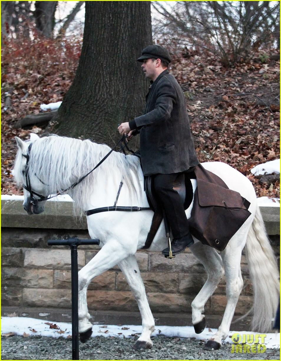 colin farrell horseback riding 24