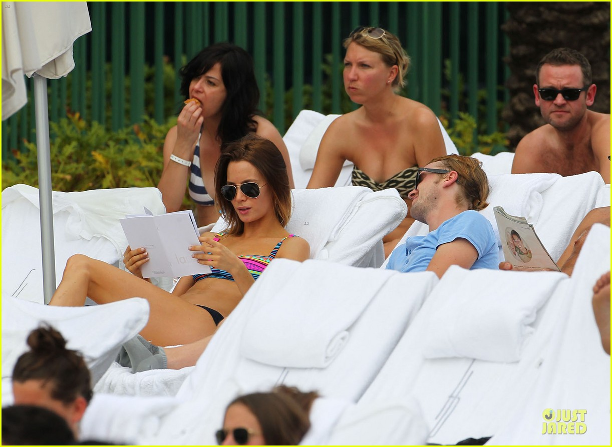 tom felton poolside with jade olivia 16