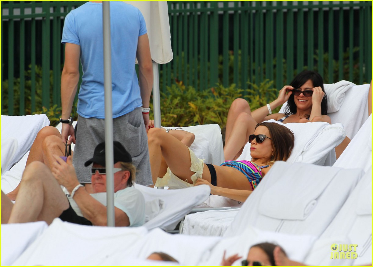tom felton poolside with jade olivia 25