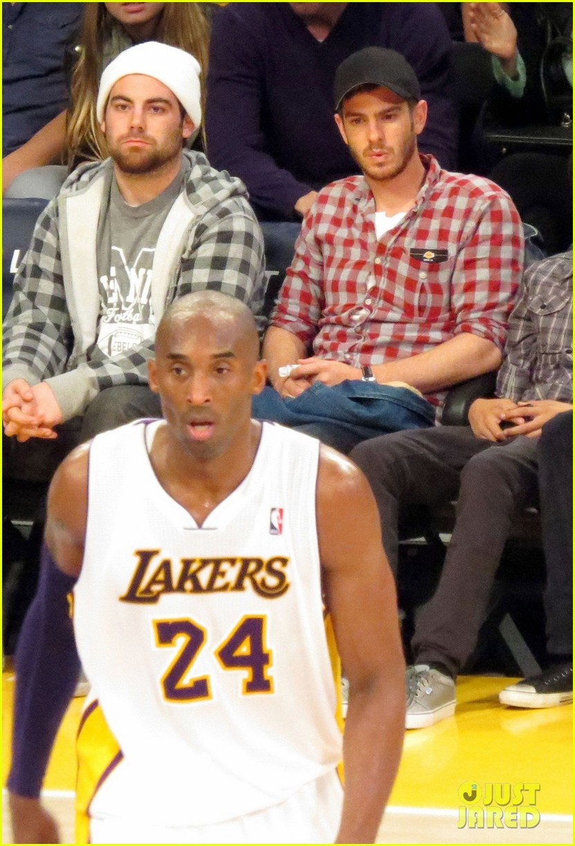 andrew garfield patrick schwarzenegger lakers guys 01