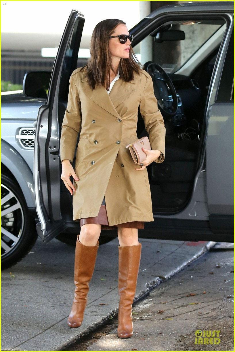 jennifer garner& ben affleck brentwood country mart family 33