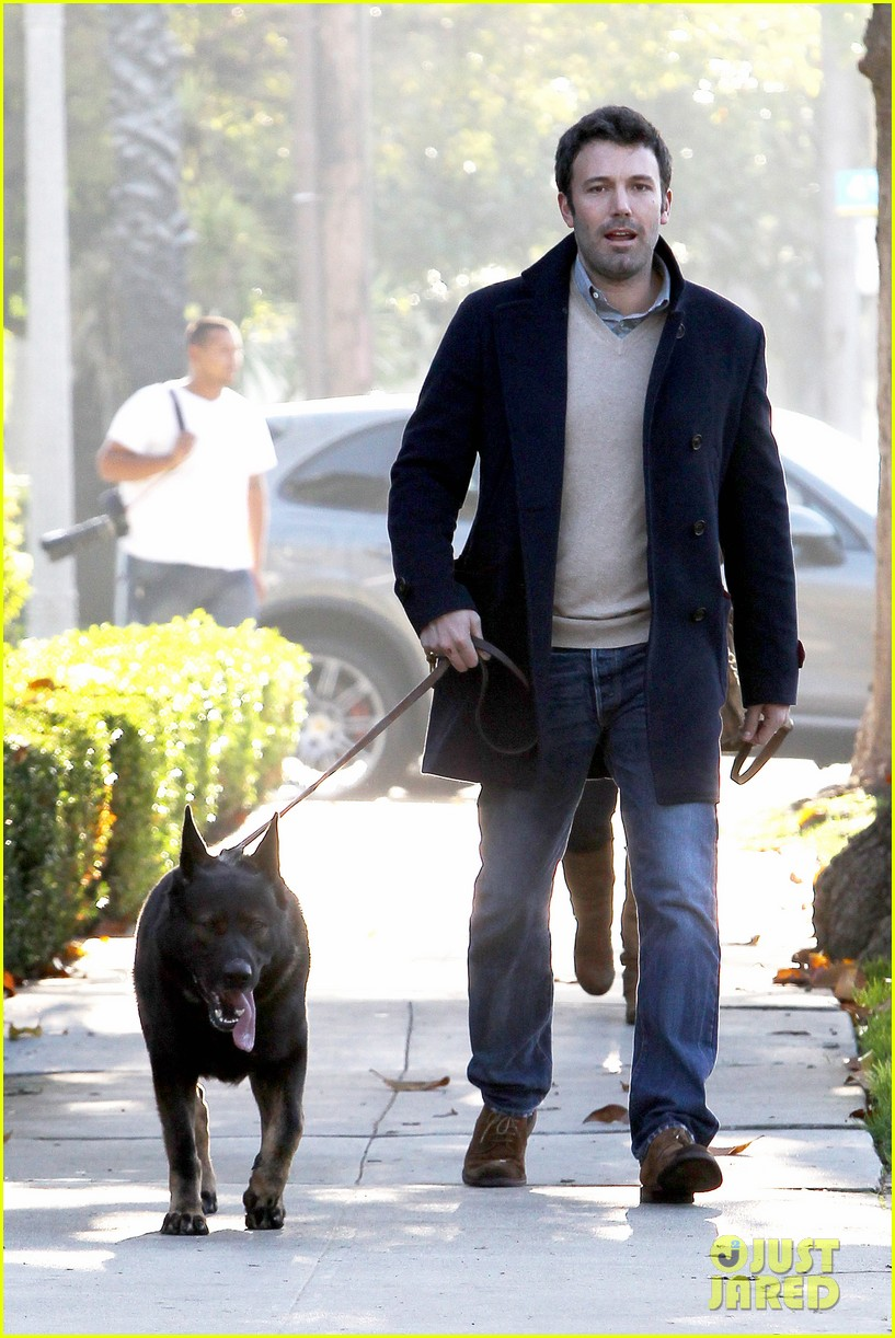 jennifer garner ben affleck separate morning coffee runs 04