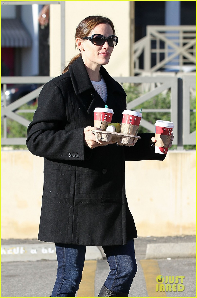 jennifer garner ready for christmas 172779321