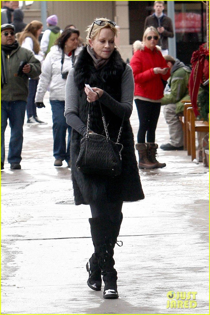 melanie griffith winter chic in aspen 09