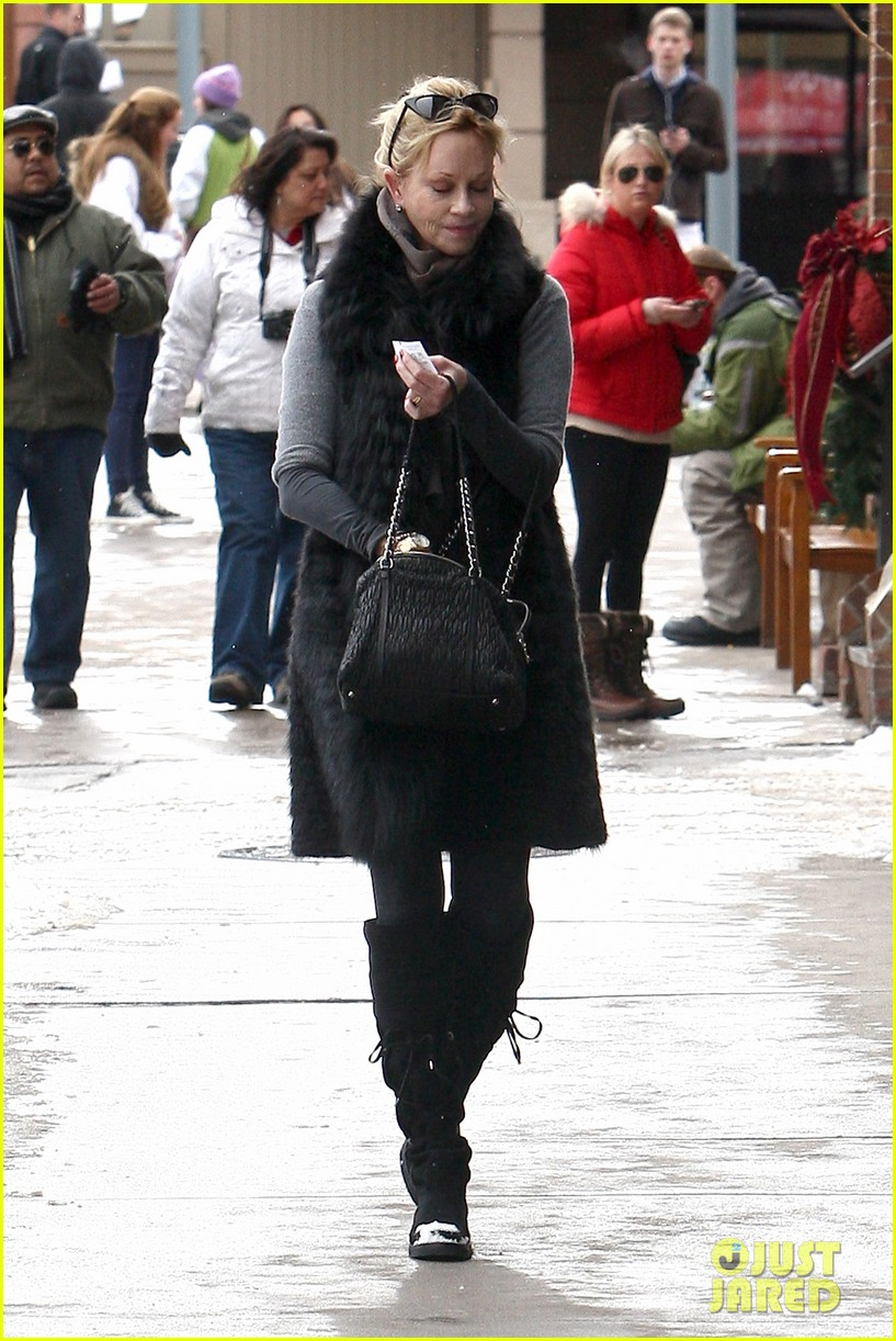 melanie griffith winter chic in aspen 10