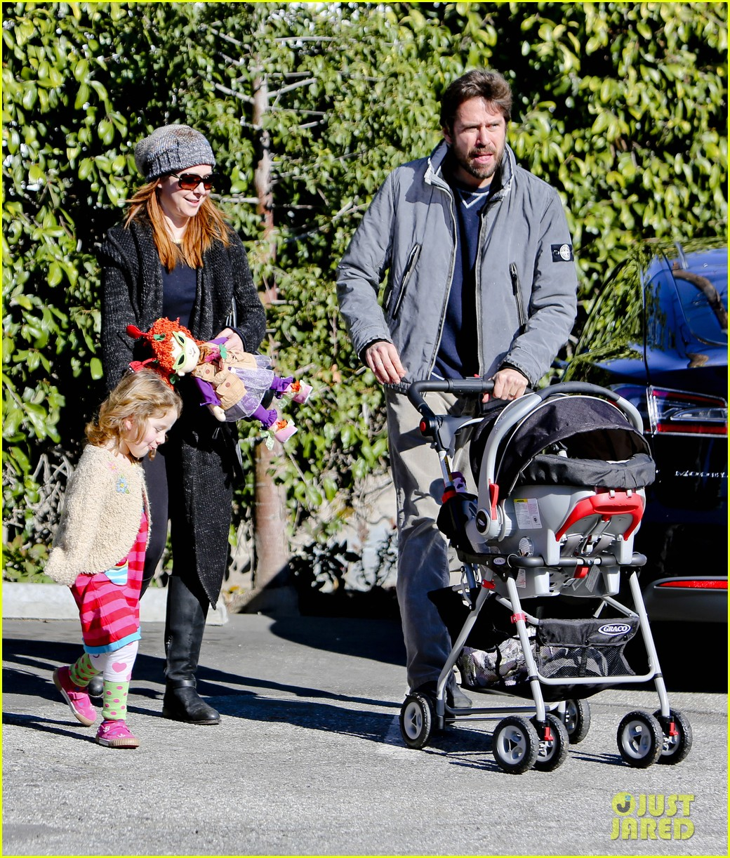 alyson hannigan family day out 08
