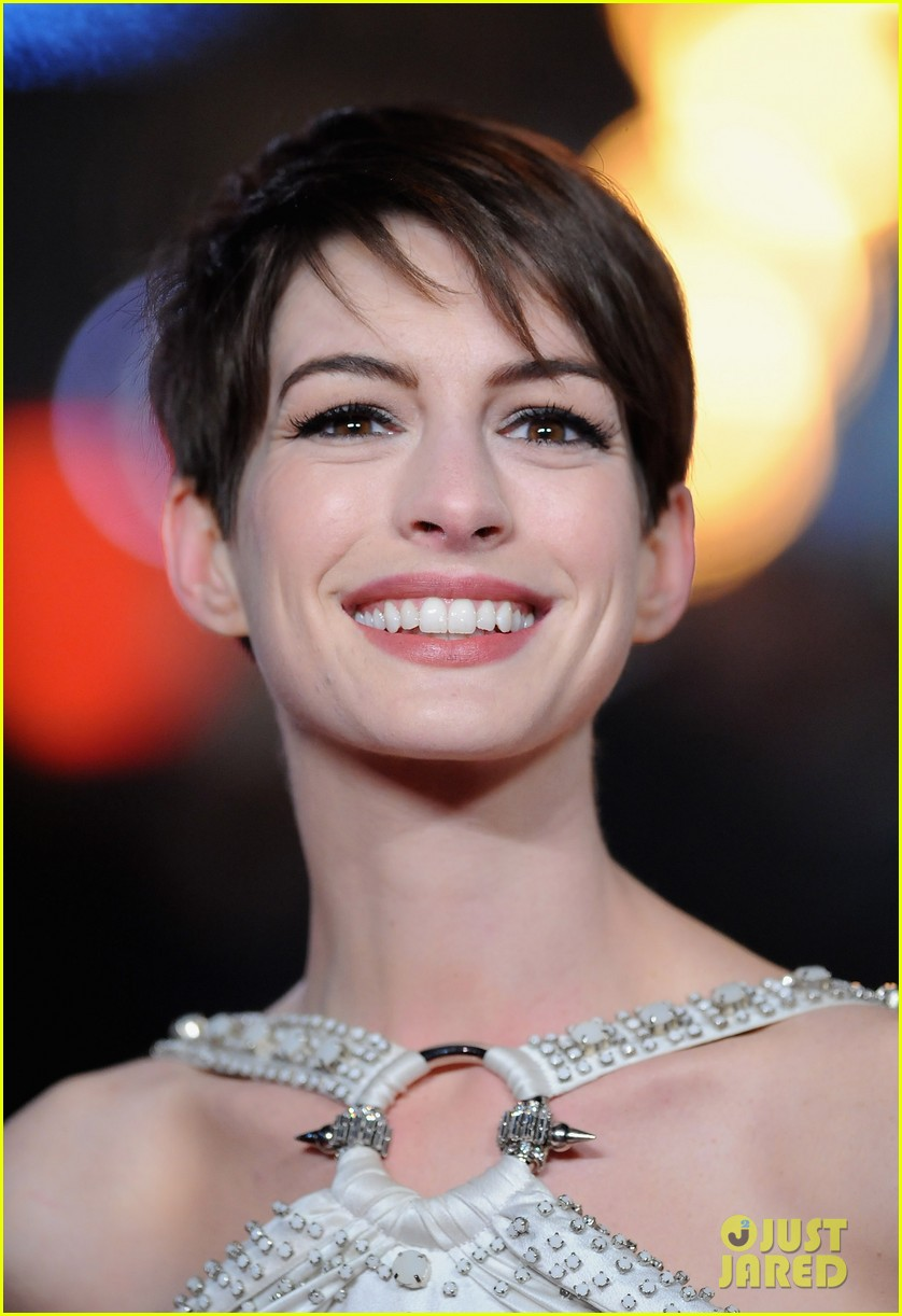 anne hathaway amanda seyfried les miserables world premiere 15