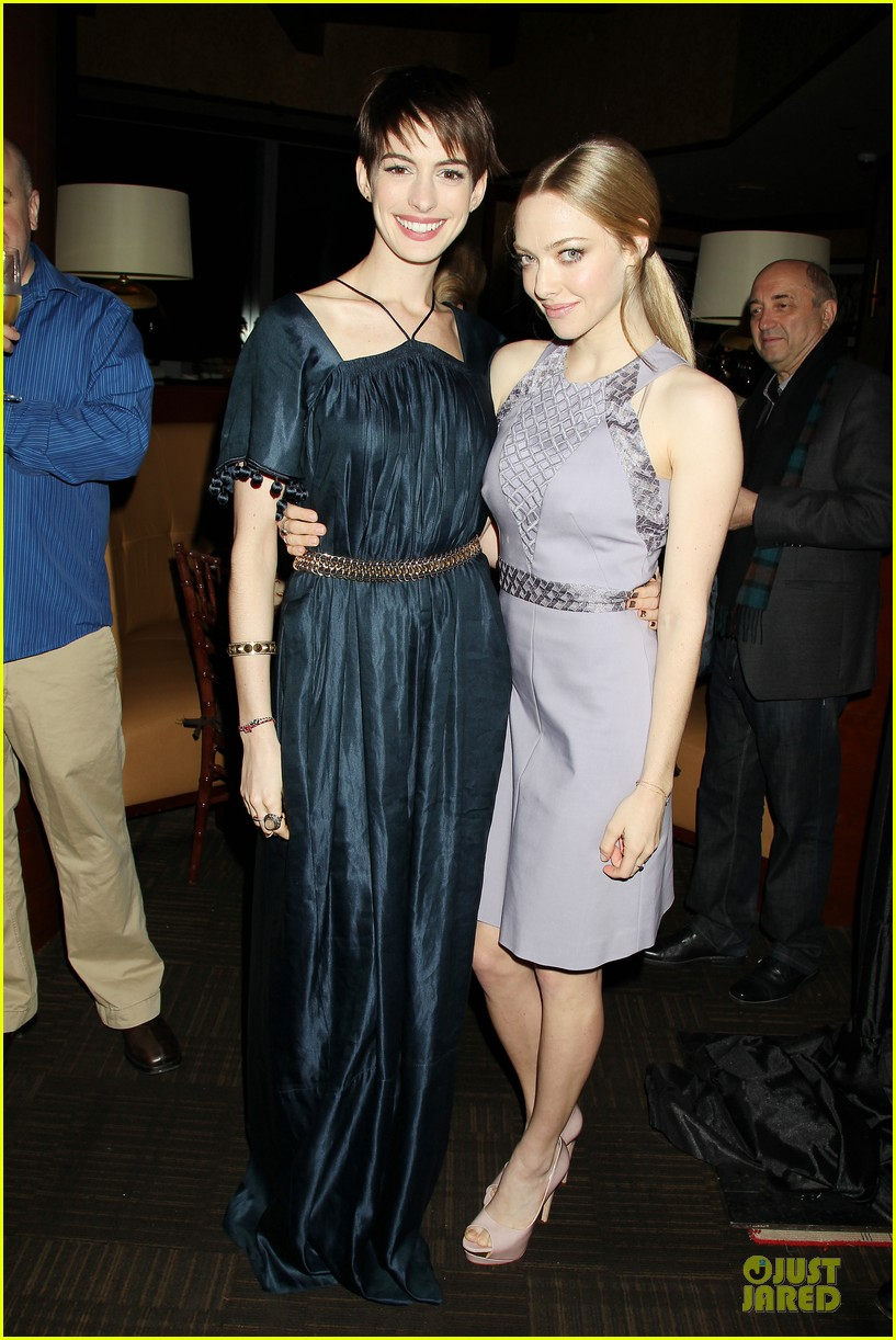anne hathaway amanda seyfried les miserables new york screening after party 08