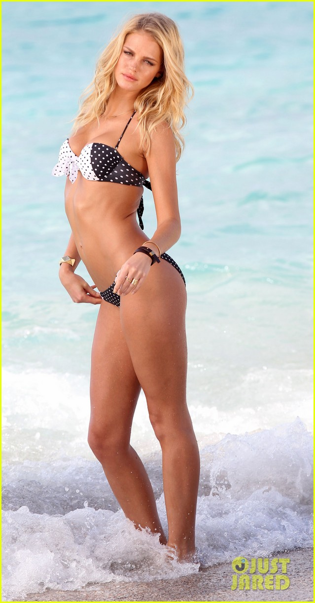 erin heatherton bikini photo shoot in st barts 24