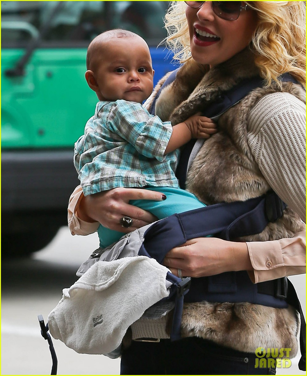 katherine heigl takes off with baby adalaide 04